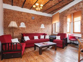 ULTRA DELUXE GALATA APARTMENT WITH TOWER VİEW+3BR - Istanbul vacation rentals