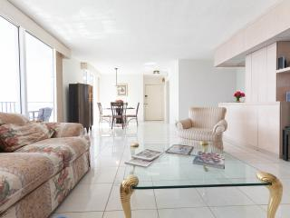 By Gvaldi - Oceanfront 2/2 Hallandale Beach - Hallandale vacation rentals