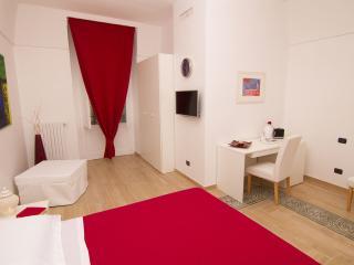 Bright 5 bedroom Bed and Breakfast in Gravina in Puglia - Gravina in Puglia vacation rentals