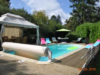 Bright 3 bedroom House in Vendee with Deck - Vendee vacation rentals