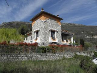 Cozy 2 bedroom Villa in Bouyon with Internet Access - Bouyon vacation rentals
