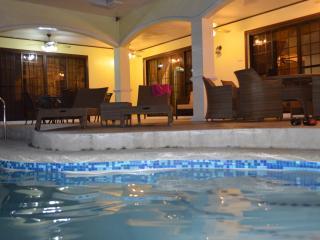 Nice 5 bedroom Cebu City Bungalow with Internet Access - Cebu City vacation rentals