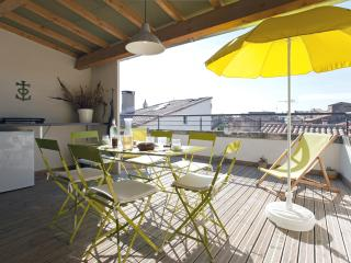 Town house with sun terrace, near the sea - Arles vacation rentals