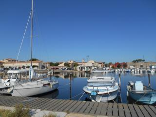 Maison Marseillan -  local port property - Marseillan vacation rentals