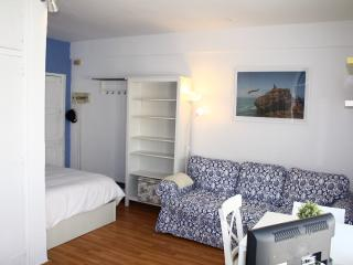 Studio on the beach with elevator - 2km City - Cadiz vacation rentals