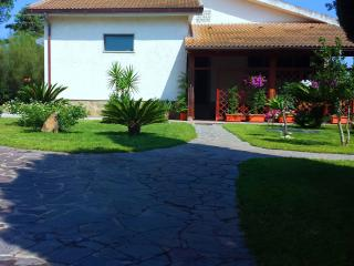 Casa vacanze Sardegna da  ANNA , immersa nel verde - Sassari vacation rentals