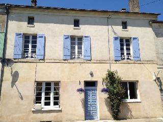 Large House with Pool Near Brantome. Sleeps 8 - Brantome vacation rentals