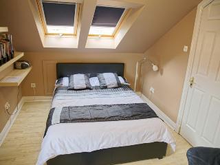 3mac - Dunfermline Studio Apartment - Dunfermline vacation rentals