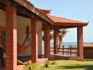 Linda Villa à 100 metros do mar. - Taiba vacation rentals