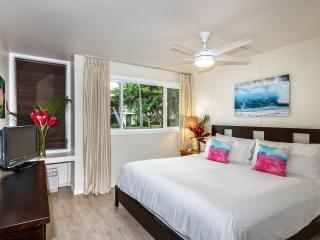Tropical Paradise - Newly Remodeled and Modern - Kahuku vacation rentals