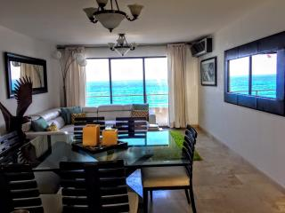 luxury penhouse with spectacular views Ocean front - Cancun vacation rentals