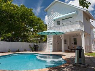 'Elegance' 100 Steps from the Beach! - Bradenton Beach vacation rentals