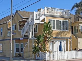 Top 3 bed Newport beach $205 / Nt- 1 Blk to Ocean - Newport Beach vacation rentals
