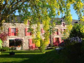 AU JARDIN D'ELOISE - Tremereuc vacation rentals