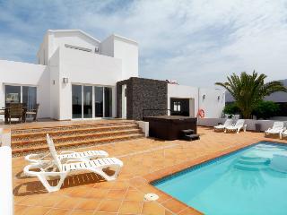 Casa Blanca 6 Enough room to stretch your legs. - Playa Blanca vacation rentals