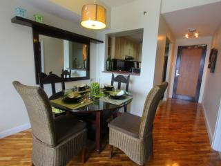 Makati's Cozy One Bedroom - Makati vacation rentals
