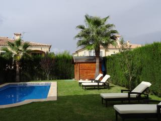 Perfect Villa with Dishwasher and A/C - Llucmajor vacation rentals