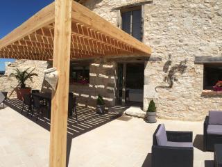 Stones South  Les Pierres du Sud - Castelnau-de-Montmiral vacation rentals