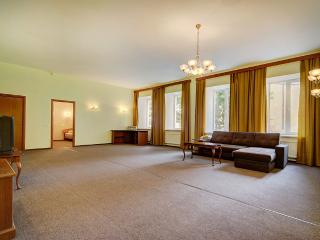 2 bedroom apartment for 6 people (324) - Saint Petersburg vacation rentals