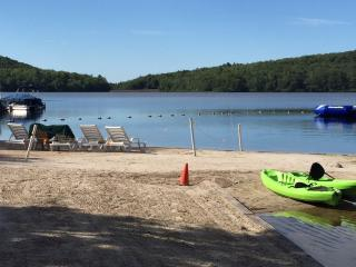 Perfect 3 bedroom Lake Harmony Townhouse with Deck - Lake Harmony vacation rentals