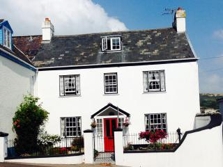 Comfortable 7 bedroom House in Lyme Regis with Internet Access - Lyme Regis vacation rentals