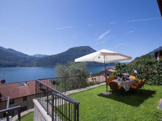 Cozy Condo with Internet Access and Satellite Or Cable TV - Cima di Porlezza vacation rentals