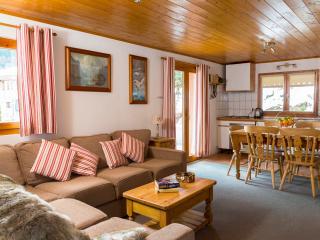 Chalet des Montagnes Apartment (Simply Morzine) - Morzine-Avoriaz vacation rentals
