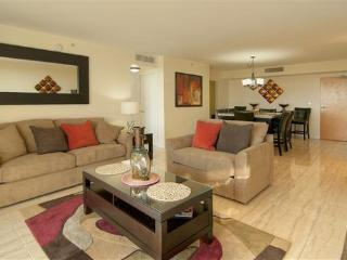 Nice 1 bedroom Apartment in Surfside with Deck - Surfside vacation rentals
