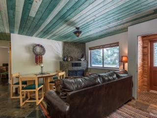 4 bedroom Condo with Internet Access in Taos Ski Valley - Taos Ski Valley vacation rentals