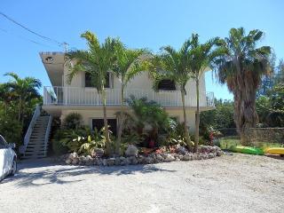 Quiet retreat adjacent to John Pennekamp Coral - Key Largo vacation rentals