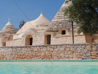 Trulli e Grotte Esclusive House Pugliaresort - Alberobello vacation rentals