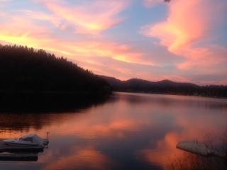 Heaven on the Lake - Queen Bed Suite - Near CDA - Rathdrum vacation rentals