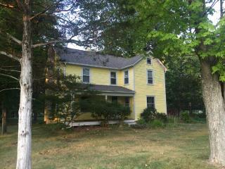 Cozy Farm House and Barn Getaway! - Accord vacation rentals