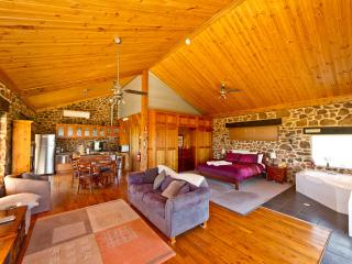 Everview Retreat Luxury Stone Cottages - Canowindra vacation rentals