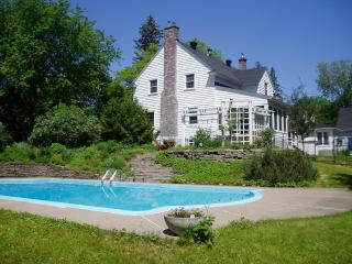 Historic home 15 minutes from parliament - Gatineau vacation rentals