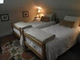 2 Twin Beds in Sunlit Room w/ Free Breakfast - Ipswich vacation rentals