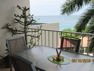 BeachView Vacation Condo - Montego Bay Hotel Strip - Montego Bay vacation rentals