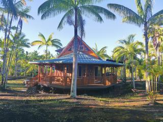 Moku: eco Polynesian, bamboo home in rural Hawaii - Pahoa vacation rentals