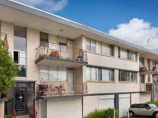 Two Bed Apartment with balcony in Balmain - Balmain vacation rentals