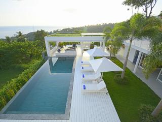 Villa L Lombok |Luxury 5 bdrm|Sea view - Senggigi vacation rentals