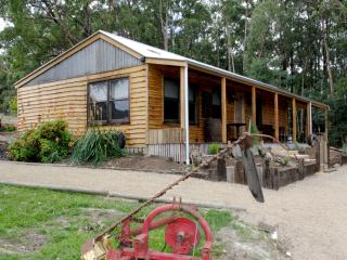 Charming Yarra Junction Bed and Breakfast rental with Deck - Yarra Junction vacation rentals
