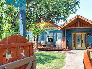 Hacienda-style retreat w/ kayak, large yard, basketball court! Bring your dogs! - Boise vacation rentals