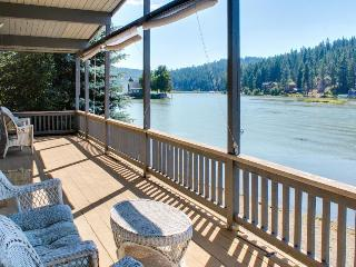 Cozy lakefront cottage w/ gorgeous view, private dock & more - dogs ok! - Coeur d'Alene vacation rentals