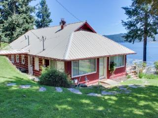 Lakefront cabin w/covered dock, two-tier deck, pets ok! - Coeur d'Alene vacation rentals