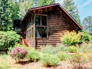 Surrounded by redwoods with a private garden & near coast! - Mendocino vacation rentals