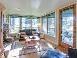 Great condo w/ shared pool & golf course views! - New Meadows vacation rentals