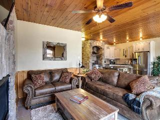 Luxury condo w/gourmet kitchen, private balcony & lake views - McCall vacation rentals