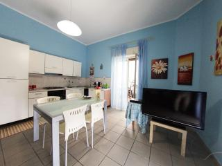 Bright 5 bedroom Vacation Rental in Caltanissetta - Caltanissetta vacation rentals