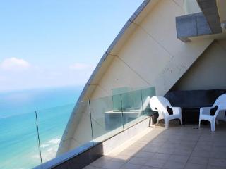 View of the sea, a beautiful apartment in Netanya - Netanya vacation rentals