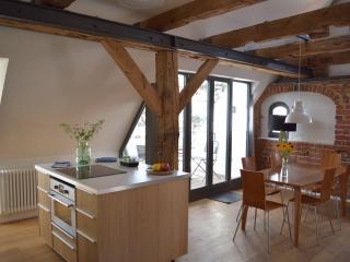 Apartment Nikolai, mit Dachterrasse in Altstadt - Stralsund vacation rentals